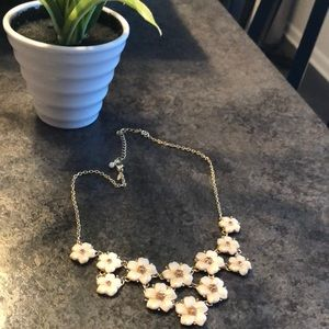 Perfect flower necklace